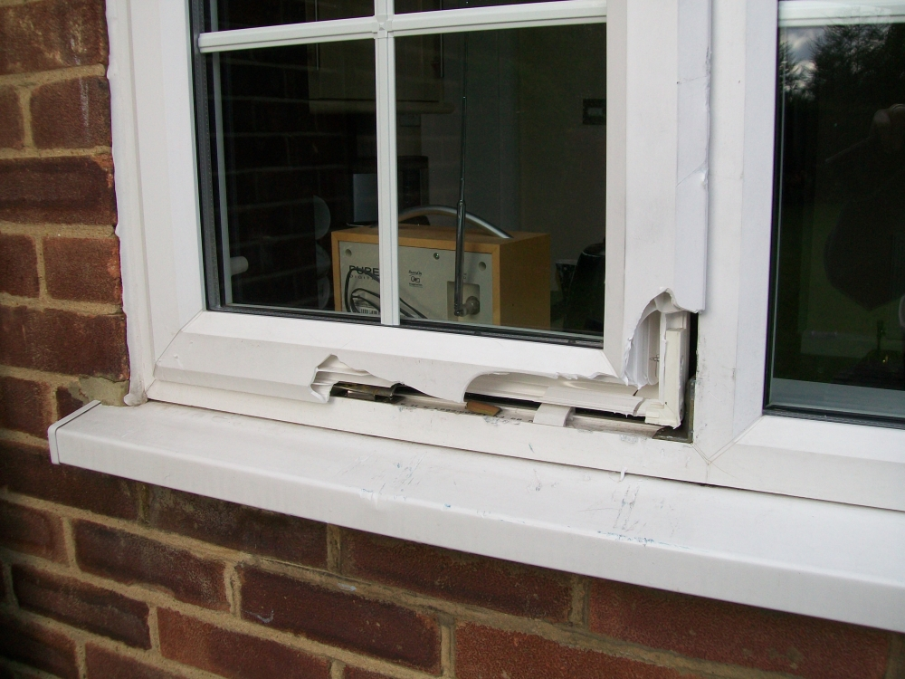 Burglary Foiled By An Anglian Window Good To Be Home