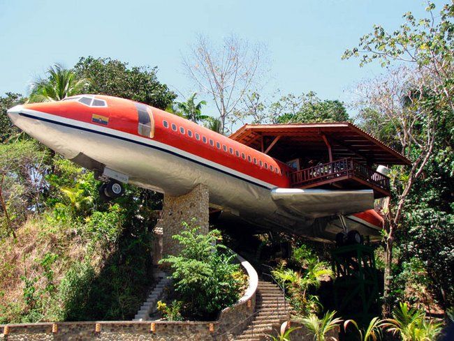 plane house