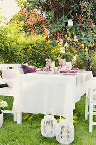 Eating outside simple
