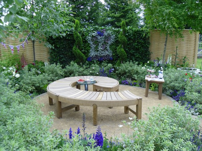 Roses In Garden: Favourite Gardens From Hampton Court Palace Flower Show