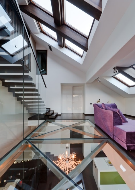 Clear glass floor