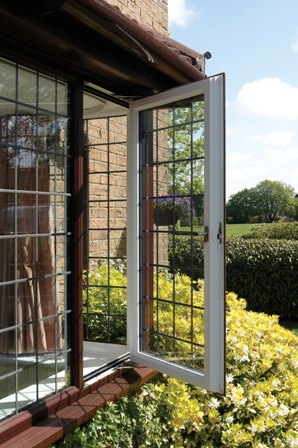 Anglian window on a sunny day - How to prevent upvc expanding