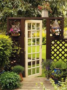 http://www.canadiangardening.com/design-and-decor/garden-decor/make-an-entrance-eight-garden-gates/a/28385/3
