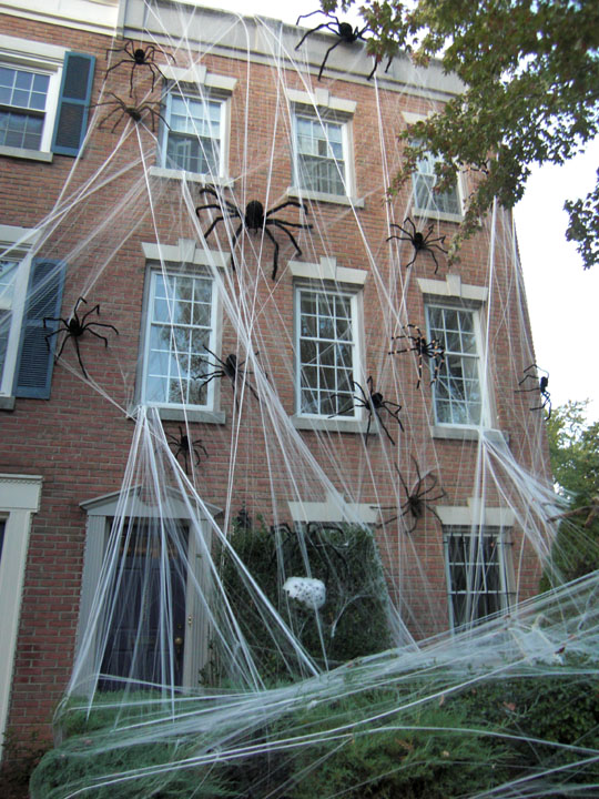 Top 10 Most Shocking Halloween Decorations Good To Be Home