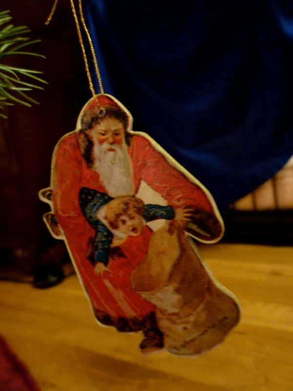 Bizarre tree decoration of Santa kidnapping