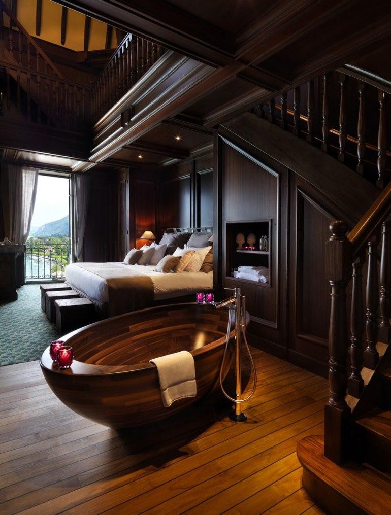 Wooden-Bathtub