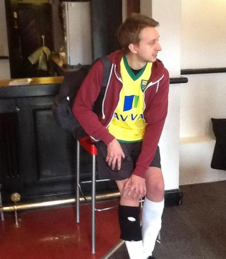 James with his injured knee
