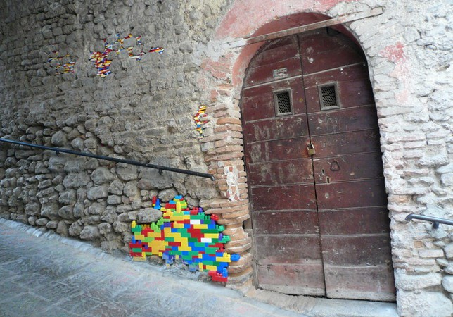 Artist Repairs Real Life Buildings with Lego