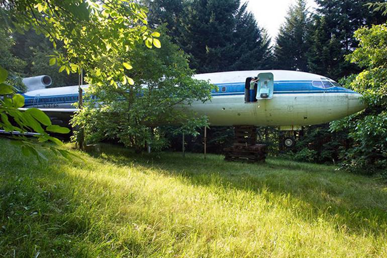 The Man Who Turned a Boeing 727 into a Home