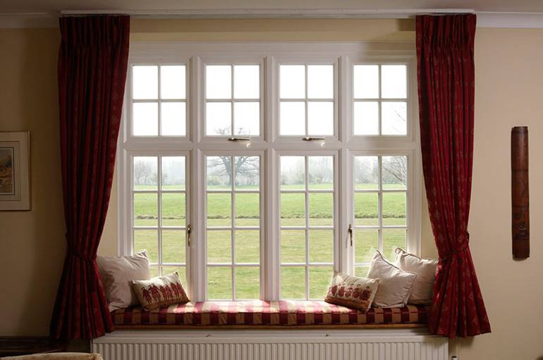 8 easy steps to match blinds and curtains to your room for Best blinds for casement windows