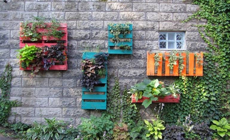 10 Amazing Wooden Pallet Upcycling Ideas for