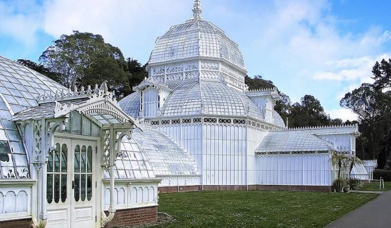 8 Awe Inspiring Conservatories Round the Globe