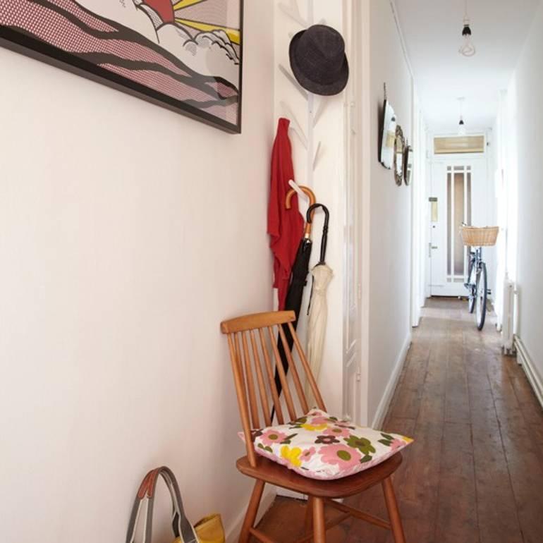 Clutter-free Hallway
