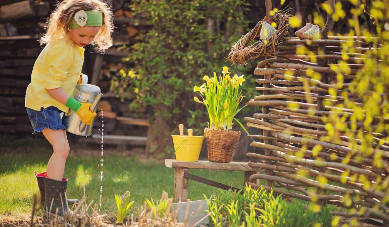 Here Is What 6 Gardening Experts Say You Need To Do In The Garden This Spring