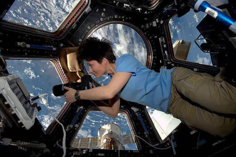 Capula ISS window