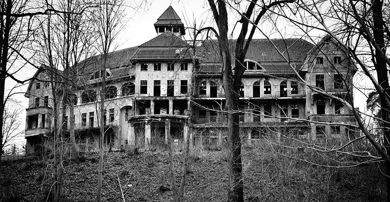 8 of Britain's Most Haunted Houses