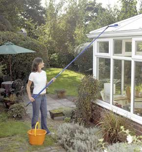 Extendable conservatory roof cleaner
