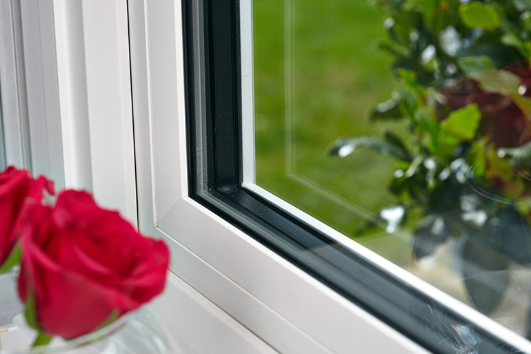 Triple glazing window