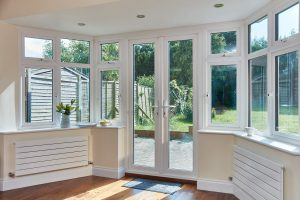 Interior bay window
