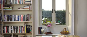 Easy windowsill decorations by room