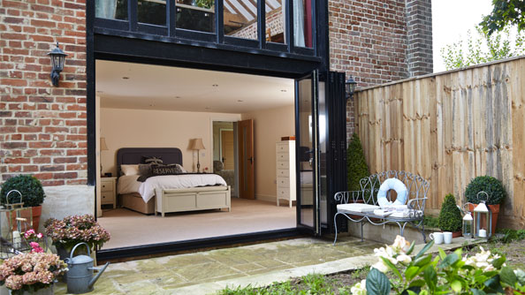 Aluminium bifold doors in black