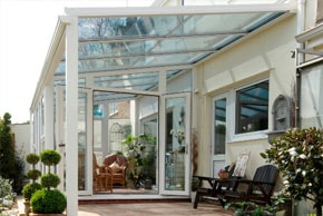 Conservatory with nice garden