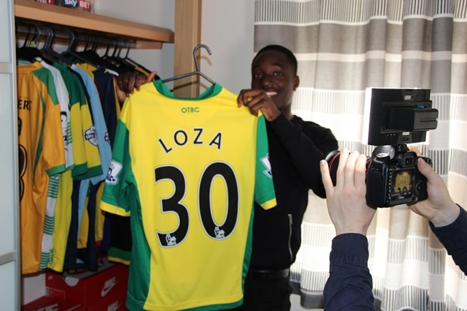 Loza with his Norwich shirt