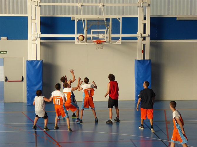 Marshland Herons taking part in a basketball game against Calbris