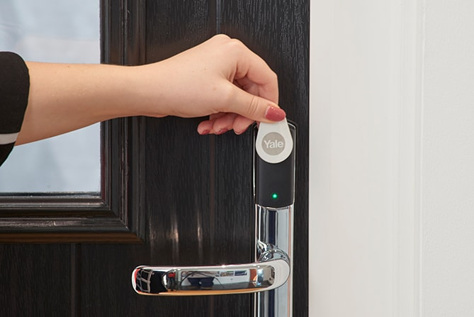 Keyless Door Entry >> Anglian Heralds New Era Of Keyless Front Door Entry With Yale Smart